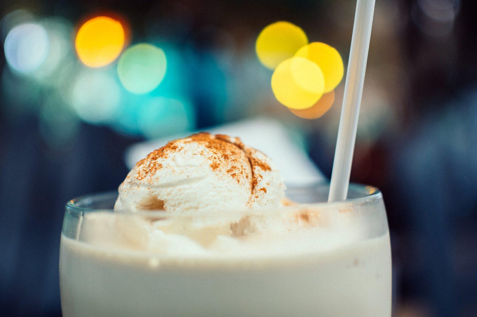 Kaffeefleck-eiskalt oder heiß-kalt